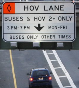 NYSDOT has allowed carpools to enter a bus lane on the Staten Island Expressway.
